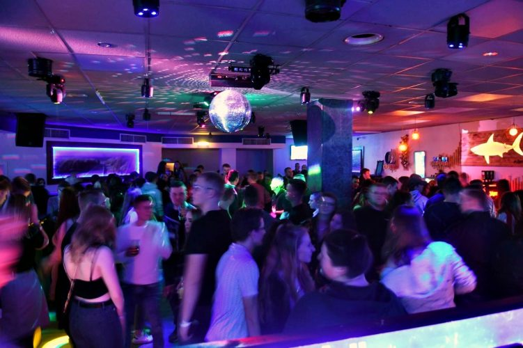 Letzte Sharks Club Party 017