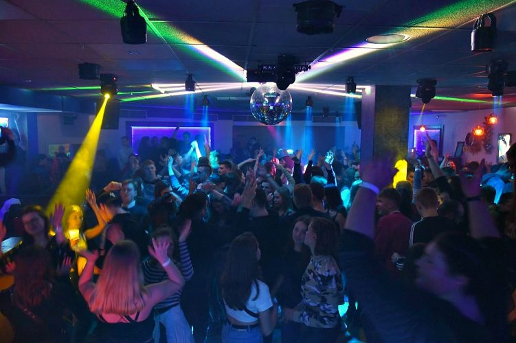 Letzte Sharks Club Party 084