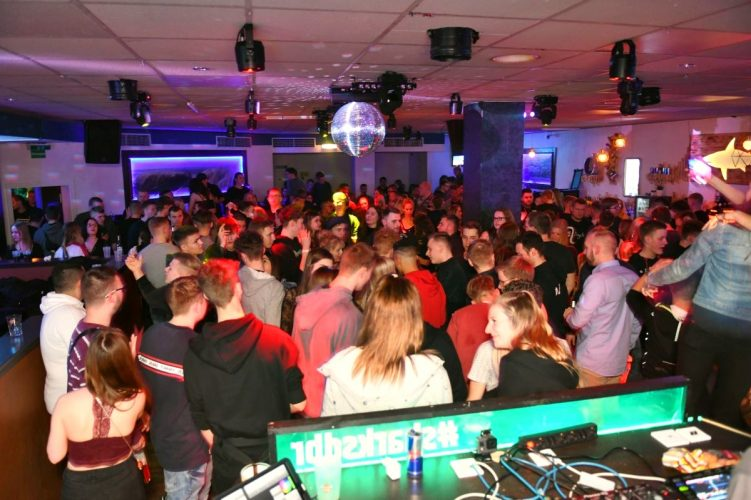 Letzte Sharks Club Party 112