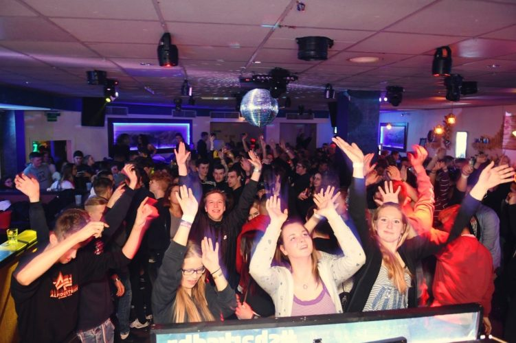 Letzte Sharks Club Party 113